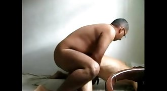 Bear daddy fucks guy