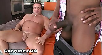 GAYWIRE - Bod Builder Skye Woods VS Izzy's 14 Inch Big Black Dick